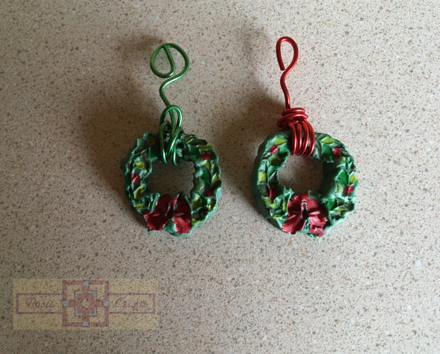 Rosie Crafts Polymer Clay Christmas Wreath Pendants