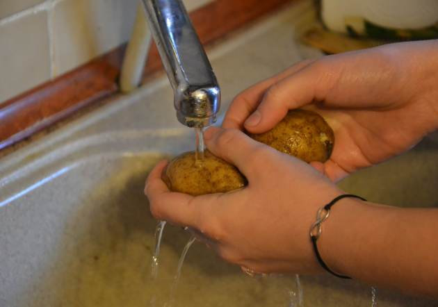 aardappels-wassen