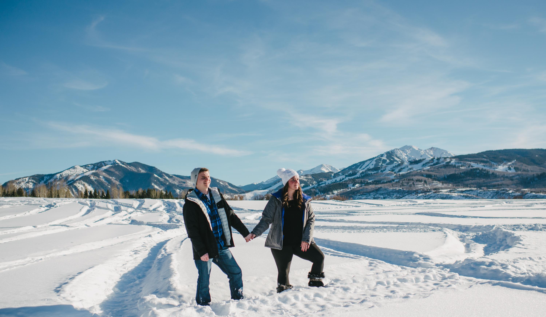 Aspen-engagement-wedding-photographer-colorado-winter