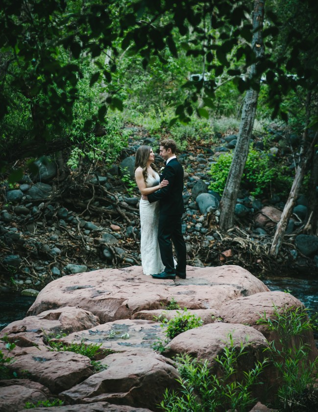 sedona-arizona-wedding-ceremony-hotel l'auberge-portraits-bride-groom-33
