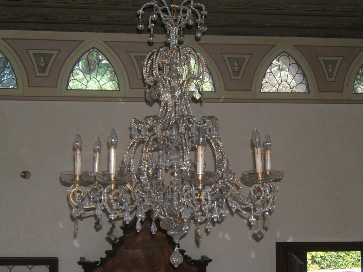 Innanzitutto, devi sapere che i lampadari con pendenti di. Restauro Lampadari Restauro Di Un Antico Lampadario A Gocce Prima E Dopo Rossi Illuminazione Vicenza