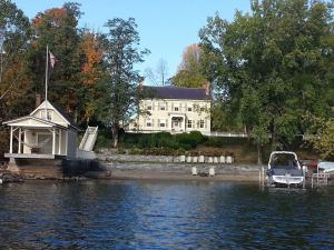 Rosslyn from Lake Champlain in October (Photo: Kelly Youngs-Schmitt)