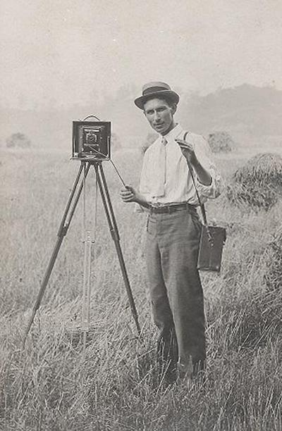 Albumen print of a photographer with Conley Folding Camera circa 1900. (Source: Antique and Classic Cameras)