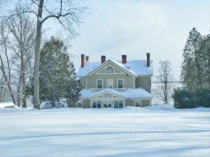 "Winter Wonderland 2019: Rosslyn's ""backside"" buried in 20-24"" of fresh snow. (Credit: P.M.)"