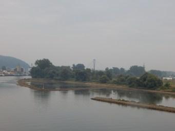 Der Pfeiler der Deggenauer Autobahnbrücke