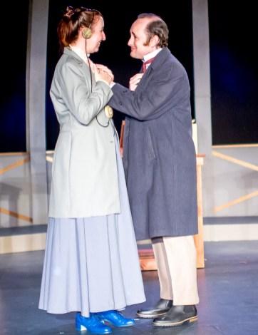 Isabelle Grimm as Henrietta Leavitt, Peter Warden as Peter Shaw