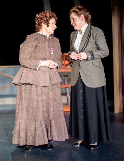 Pamela Ciochetti as Williamina Fleming, Rachel Kayhan as Annie Cannon