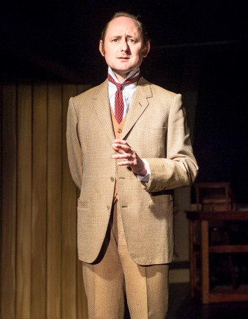 Peter Warden as Peter Shaw