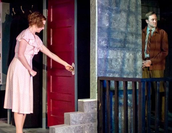 Carolyn Arnold as Laura Wingfield, Jesse Lumb as Jim O'Connor