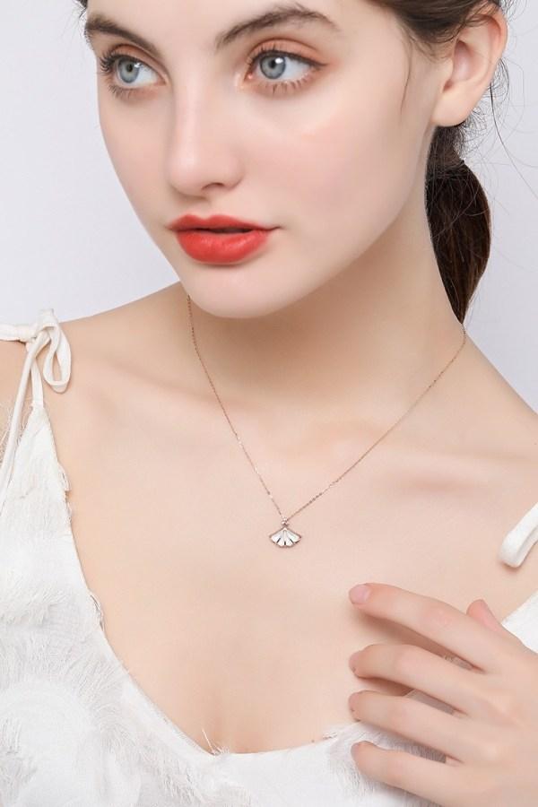 Shining 系列 - 18K玫瑰金白貝母鑽飾