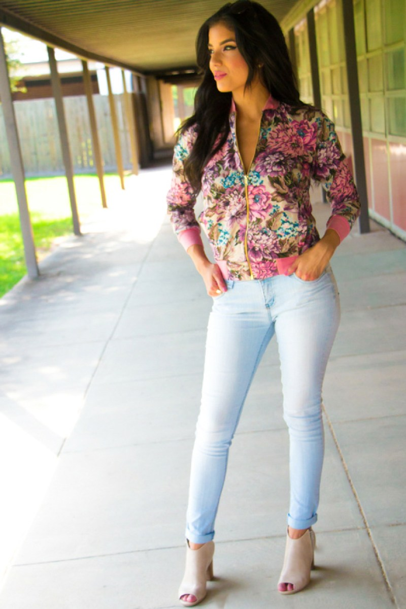 Floral Bomber Jacket + Pattern Review - Rosy | Peña