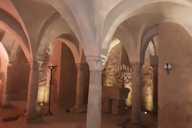 La cripta della Badia a Settimo