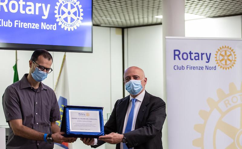Il valore del coraggio : un momento del premio al Rotary Firenze Nord