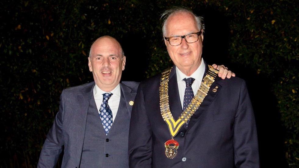 Marco Parducci e Massimo Conti Donzelli al passaggio della campana del Rotary Club Firenze Nord
