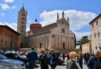 1 Rotary COAST TO COAST - ARRIVATI in Piazza Garibaldi, Massa Marittima, 28 aprile 2017.