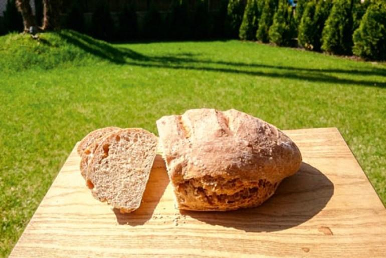 Szybki chleb orkiszowy pełnoziarnisty