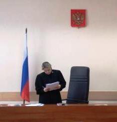 Фото с заседания суда над дворниками 12 февраля в Чертаново