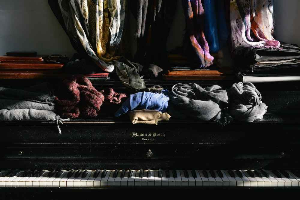 Don't let your audience be distracted by a messy room. Photo by Celia Spenard-Ko on Unsplash