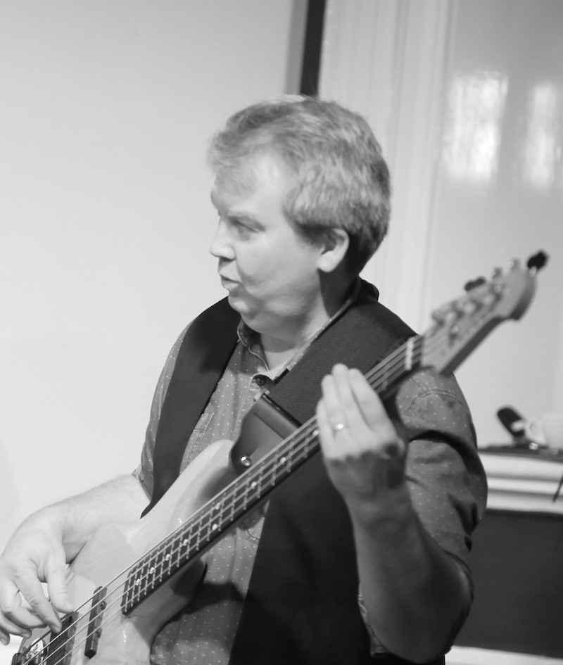 Grant Tunbridge bass player bluescamp uk