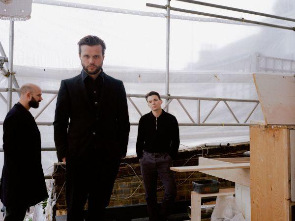 White Lies - woensdag 20 april 2022 - Maassilo, Rotterdam