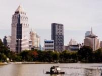 Lumpini Park mit Innenstadt
