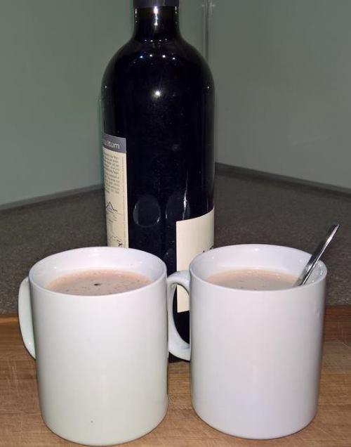 heiße Schokolade mit Rotwein