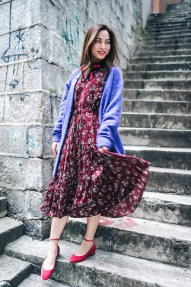 street style in drawstring waist floral print dress
