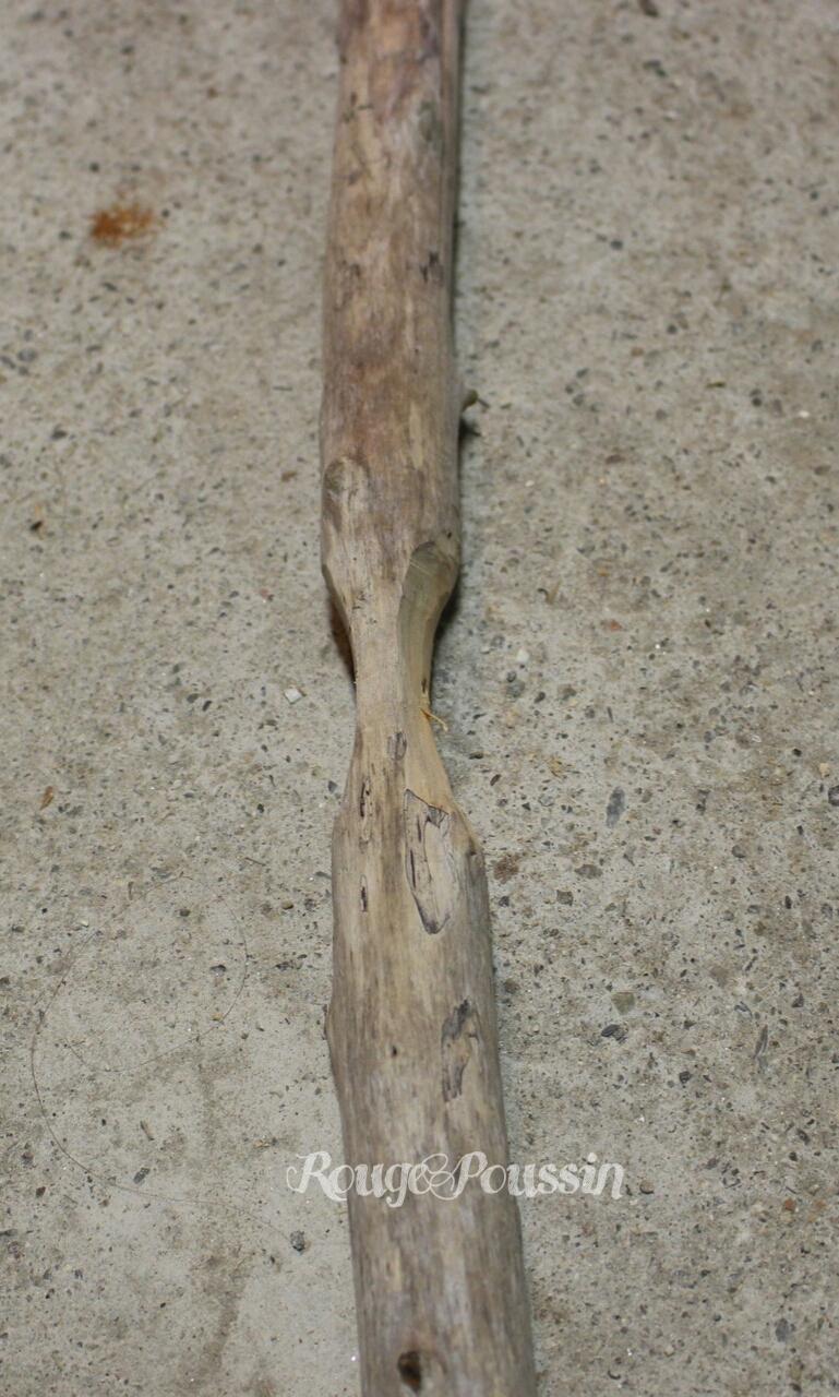 Sapin de no l en bois flott rouge poussin for Grande branche bois flotte
