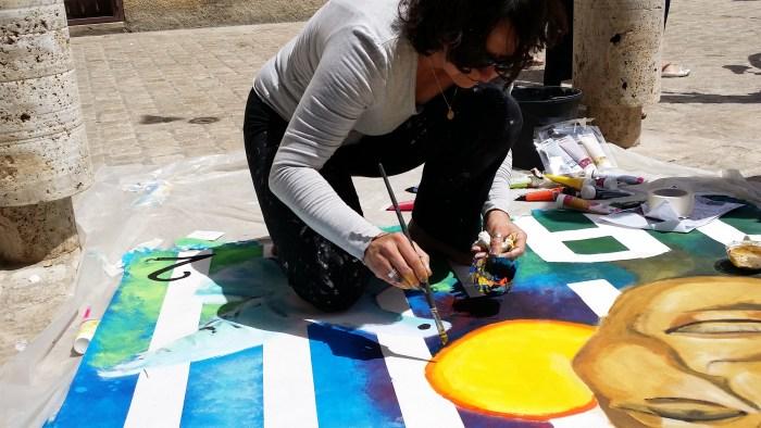 Peindre le jour du concours à même le sol