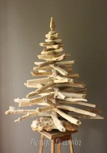 Sapin de noël n°3 réalisé en bois flotté
