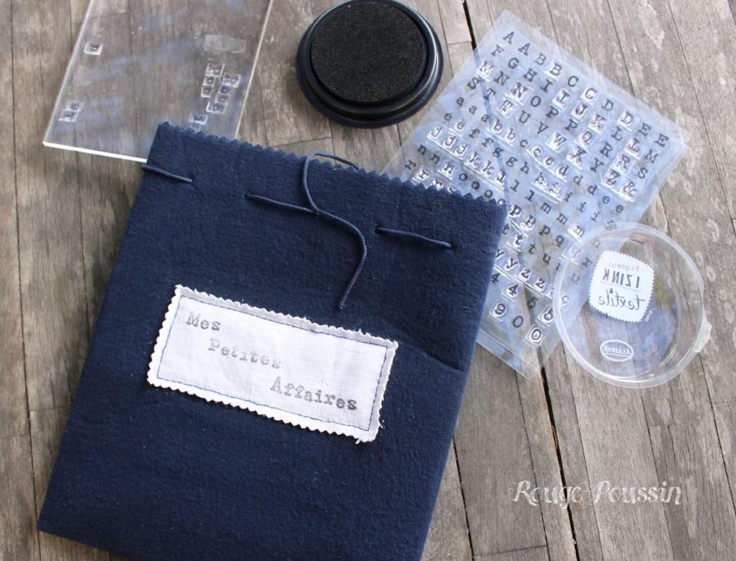 De jolis mots sur tissu avec l'encre I ZIN K textile
