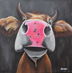 Portrait d'une vache à l'acrylique sur une toile de dimension 60x60 réalisé par Carole Alexandre