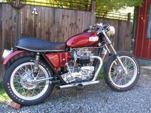 Triumph 750 Bonneville T140 Mild-custom