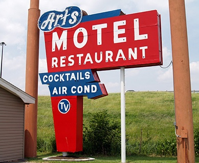 What's happening with Shea's Route 66 Museum and Art's Motel?