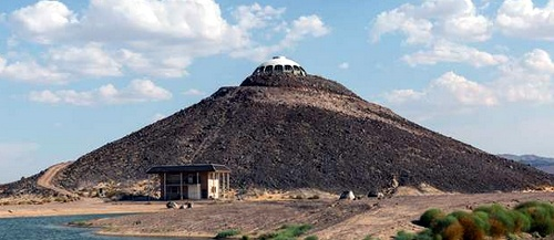Huell Howser's Volcano House goes up for sale