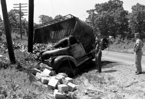 truck-wreck-near-sullivan-mo, Bloody 66