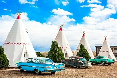 Deep background on the Wigwam Motel in Holbrook