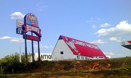 Fire damages Redmon's Candy Factory