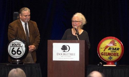 Michael and Suzanne Wallis honored by Tulsa Global Alliance