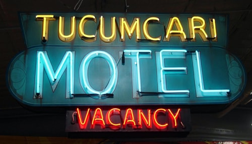 Museum unveils restored Tucumcari Motel sign