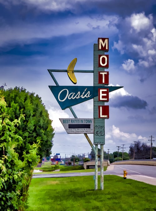 Tulsa's neon-sign grant program begins April 1