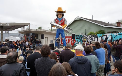 Buck Atom space cowboy dedicated at Route 66 shop in Tulsa