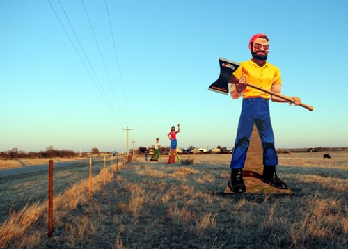 Art-installation tribute to Muffler Men goes up on Route 66 near Calumet