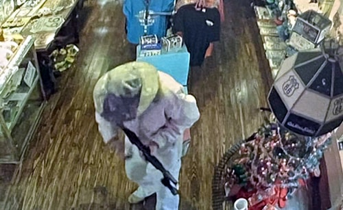 Old Riverton Store in Riverton robbed at gunpoint; suspect apprehended