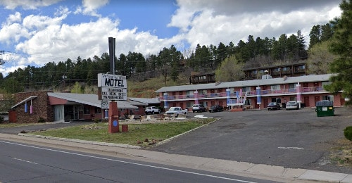 Whispering Winds Motor Hotel in Flagstaff undergoing renovations with new owner