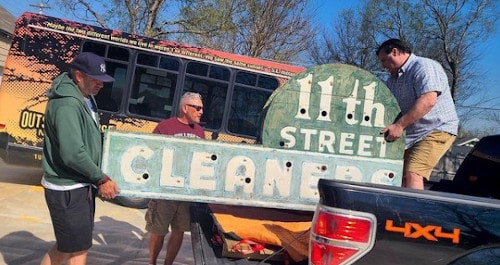 """Savior of """"The Outsiders"""" House in Tulsa rescues 11th Street Cleaners neon sign"""