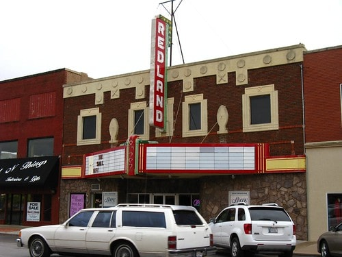 Trust gives $45,000 grant to restore sign at Redland Theatre in Clinton