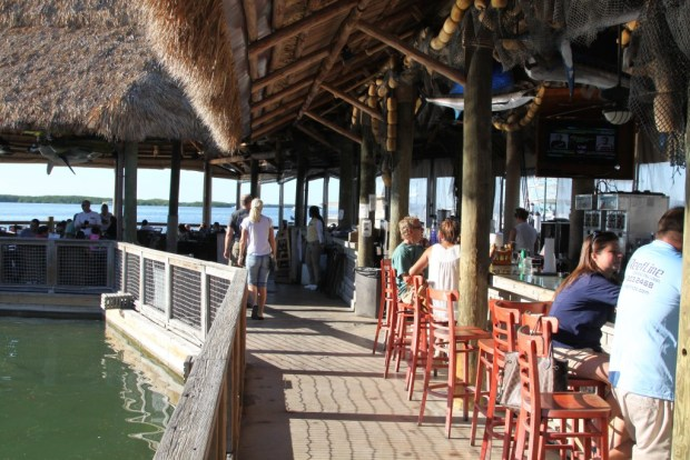 Bar and seafood restaurant,Islamorada, drive from Miami to Key West