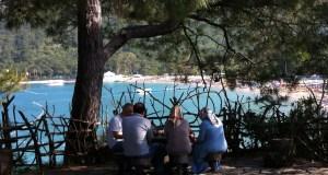 Locals in Yoruk Park, Kemer