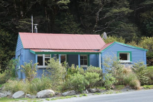Arthur's Pass village cottage